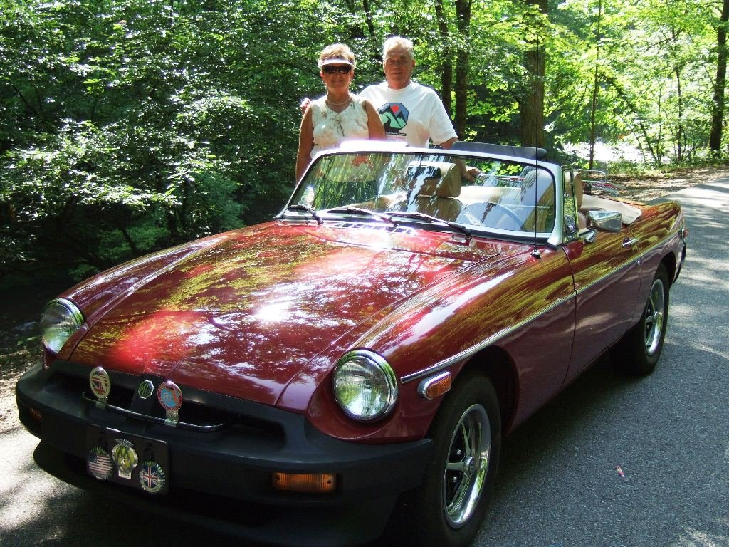 Dave & Theresia on the way to Cades Cove